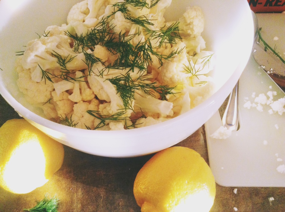 Simple Cauliflower Dill Salad (with a bit of olive oil & lemon)