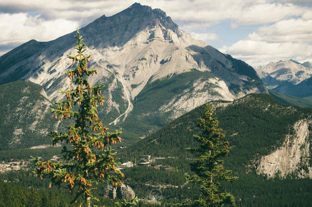 sulphur mountain gondola banff lune blog-14.jpg
