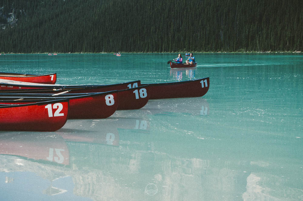 lake louise canoe lune vintage blog-11.jpg