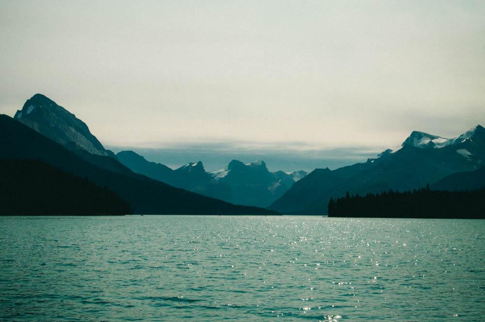 Maligne lake spirit island jasper canada lune blog-24.jpg