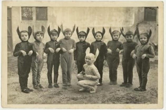 Creepy Vintage Halloween Costumes (5).jpg