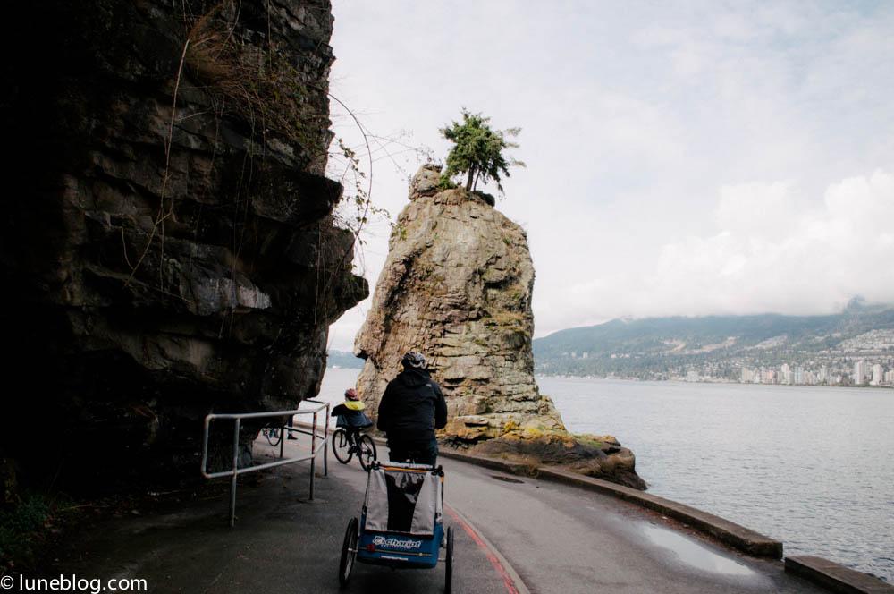 vancouver stanley park sea wall bike ride lune blog (13 of 26).jpg