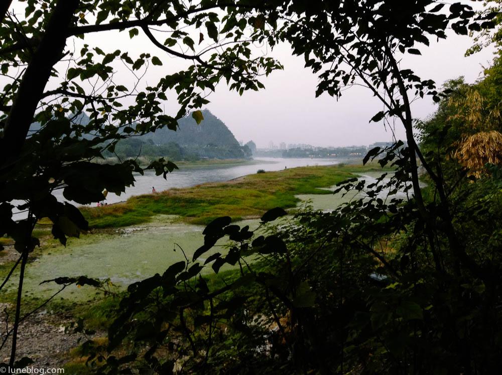 Dusk settling in over the Li River in Gui Lin