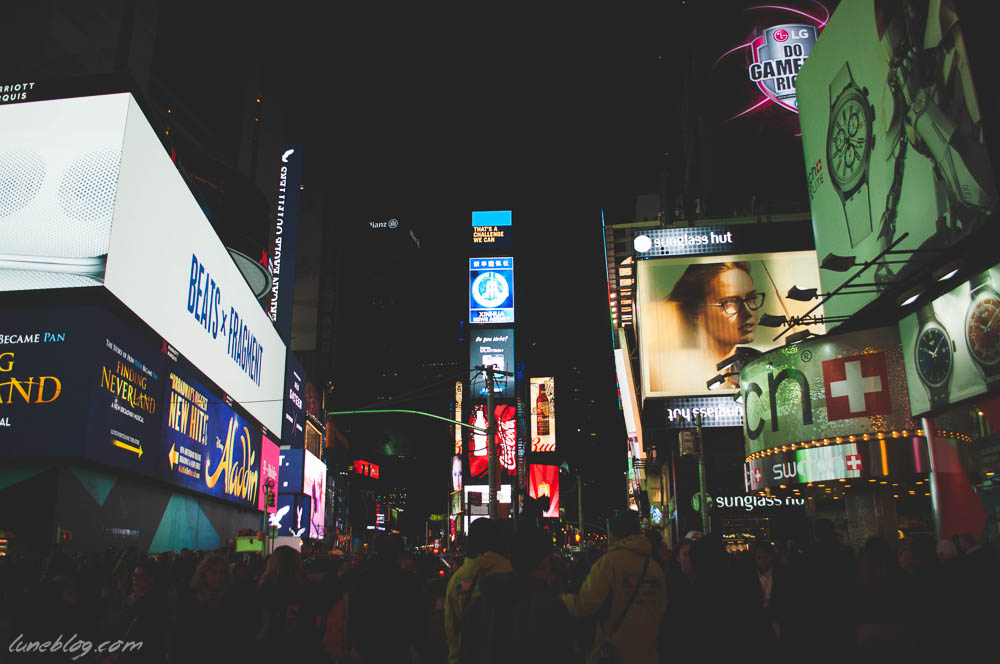 lune blog times square nyc spring (31 of 23).jpg