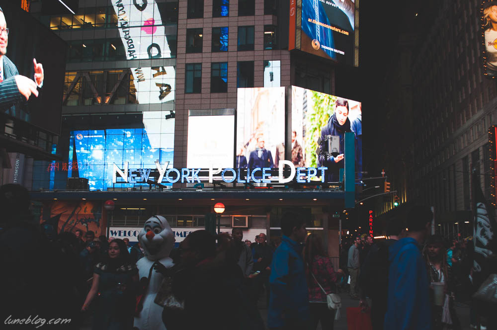 lune blog times square nyc spring (22 of 23).jpg