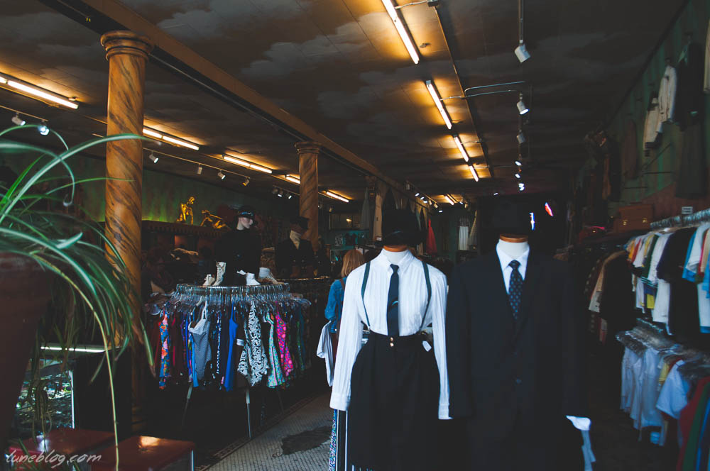 lune travel blog haight ashbury vintage shopping (35 of 32).jpg