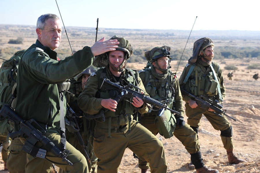 IDF Chief of Staff Benny Gantz (far left) with a reserve division that held a joint-training drill at the Tzalim base, involving forces from the Israel Air Force, Armored Corps, Paratroopers Brigade and Artillery Corps. Credit: IDF.