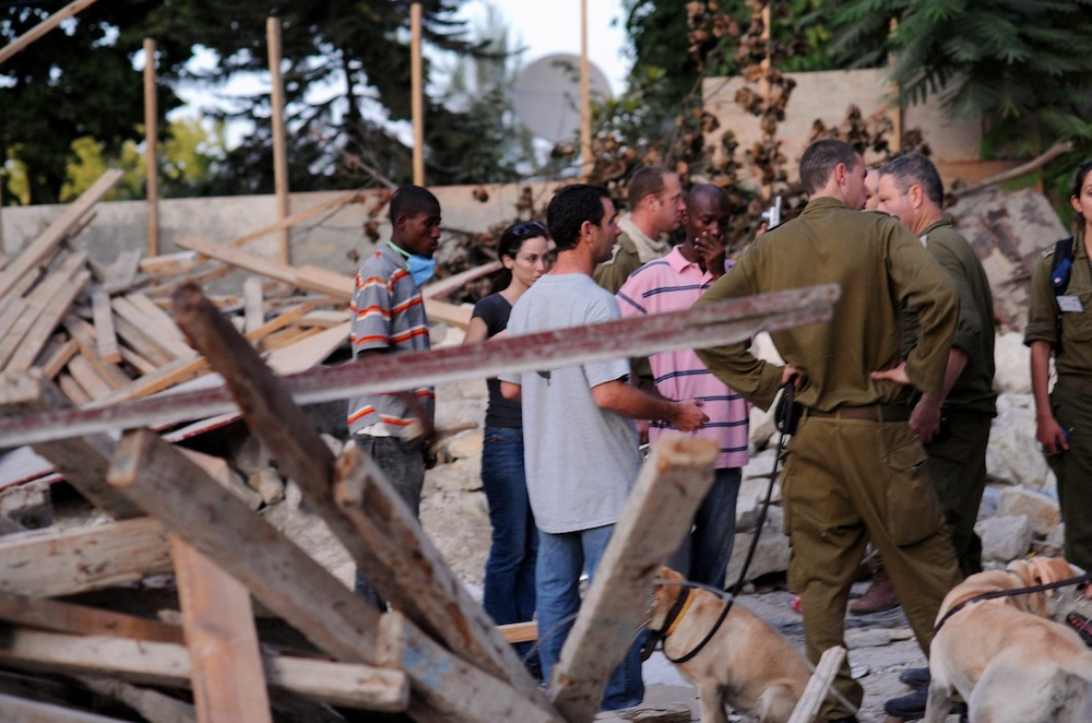 An Israel Defense Forces team prepares to set up a field hospital in Haiti. Credit: Israel Defense Forces.