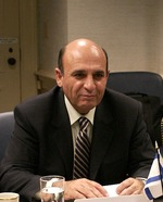 (MK Shaul Mofaz. Credit: U.S. Department of Defense.)