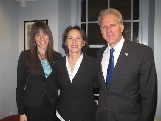 Click photo to download. Caption: From left to right, Ora Miriam Katz of the Consulate General of Israel, Sally Oren, and Ambassador Michael Oren. Credit: Paul Foer.