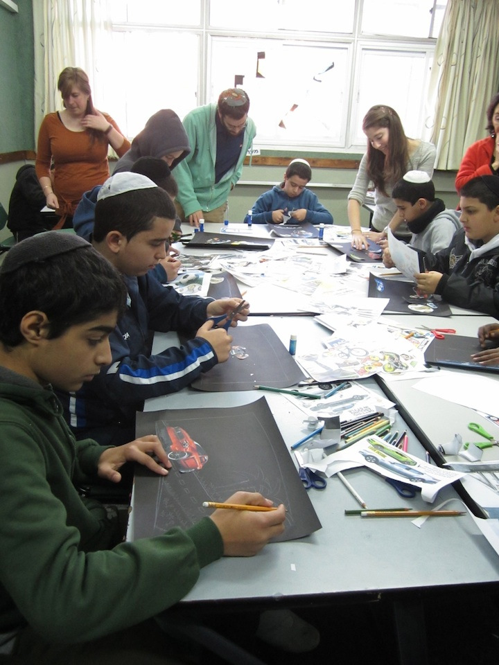 "Click photo to download. Caption: The ""Art at ORT"" workshop involving Yeshiva University and Stern College students as well as Israeli children. Credit: Courtesy of Yeshiva University."