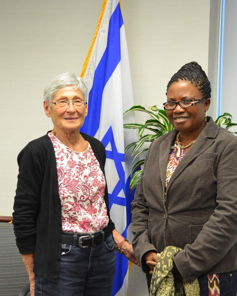 Click photo to download. Caption: Janette Hirshmann (left) and Gladys Amaning (right), of Israel and Ghana, respectively, have jointly developed a visionary program to provide this and future generations of Ghanaian preschoolers with the initial tools needed to achieve their full potential. Credit: Maxine Dovere.