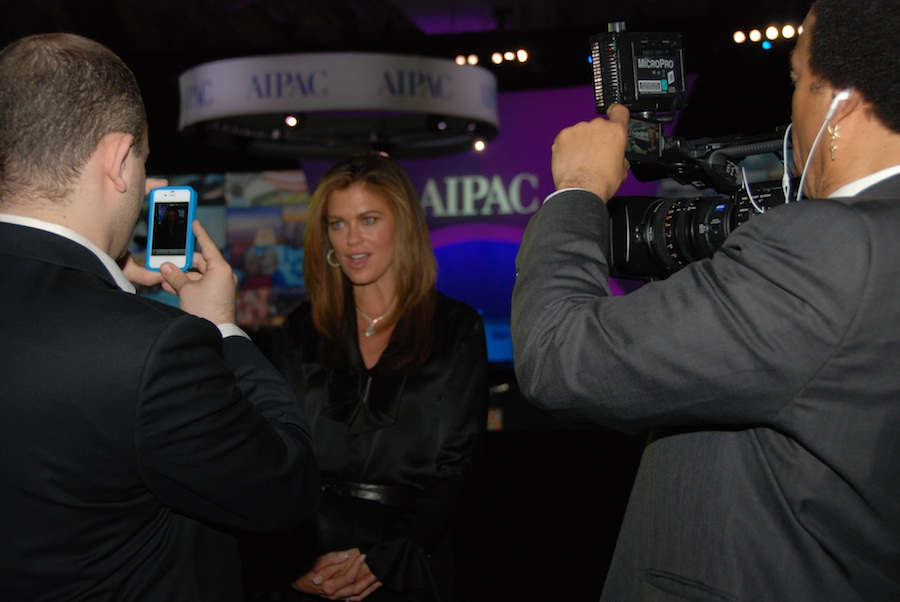 Click photo to download. Caption: Kathy Ireland speaks to reporters following her speech at the AIPAC conference on Monday. Credit: Maxine Dovere.