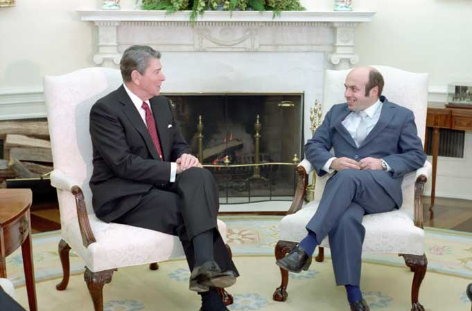 Click photo to download. Caption: Ronald Reagan with Natan Sharansky in 1986. Credit: White House.
