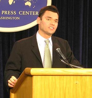 "Click photo to download. Caption: Peter Beinart (pictured) co-stars with Emma Thompson in JNS columnist Ben Cohen's proposed new movie, ""Boycott Israel."" Credit: State Department."