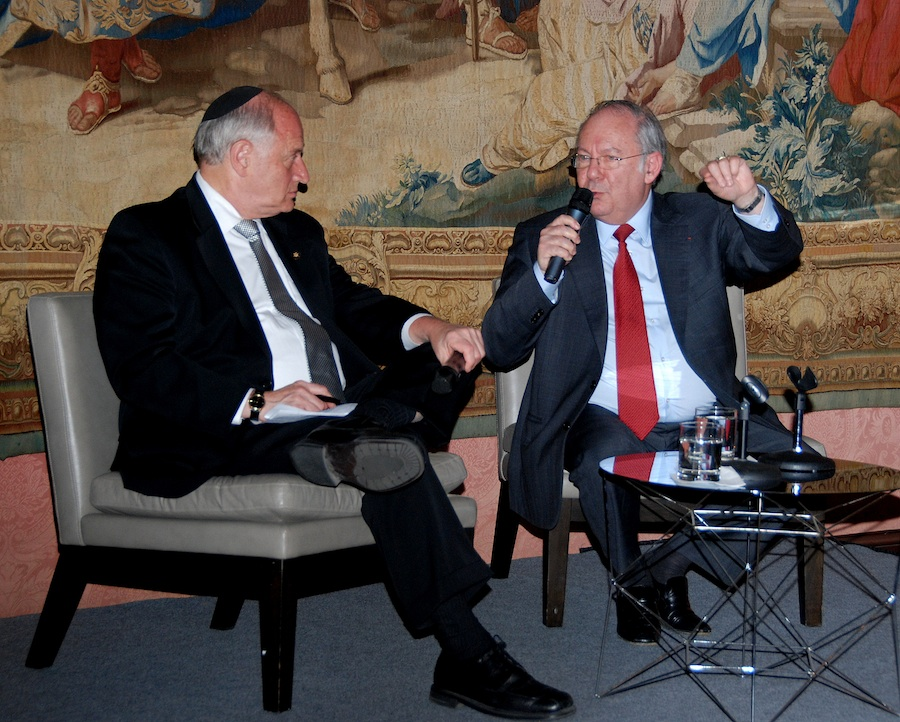 Click photo to download. Caption: Dr. Richard Prasquier, president of the CRIF (Conseil Representatif des Institutions Juives de France), sits down with Malcolm Hoenlein of the Conference of Presidents of Major American Jewish Organizations. Prasquier discussed issues of concern to the French Jewish community with American media at the Consulate of France in New York on April 30. Credit: Maxine Dovere.