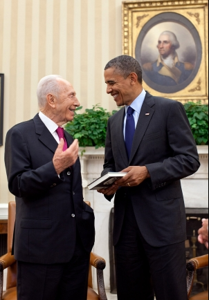 Click photo to download. Caption: Shimon Peres and Barack Obama following their June 13 meeting in the Oval Office. Credit: White House.