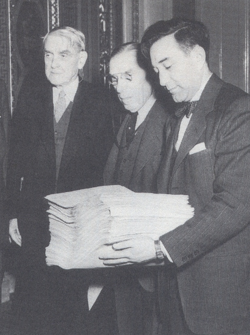 Click photo to download. Caption: Rabbi Baruch Korff delivering petitions to Congress. To his right are Congressman Sol Bloom (D-NY) and Senator Arthur Capper (R-Kansas). Credit: Courtesy Rafael Medoff.