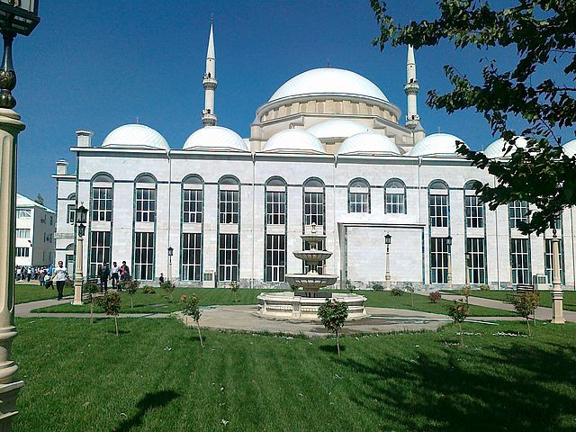 Click photo to download. Caption: The Makhachkala Grand Mosque in Dagestan, in the Russian-controlled North Caucasus region, where the Boston Marathon bombers have roots. Jews say they maintain relative calm in the area despite North Caucasus insurgency. Credit: Wikimedia Commons.