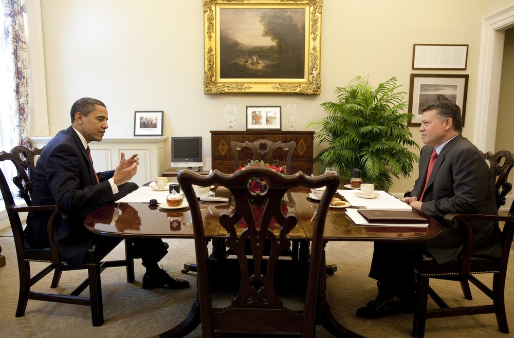 Click photo to download. Caption: President Barack Obama is seen having tea with King Abdullah of Jordan in a one-on-one meeting Tuesday, April 21, 2009, at the Oval Office Private Dining Room in the West Wing of the White House. Credit: Pete Souza.