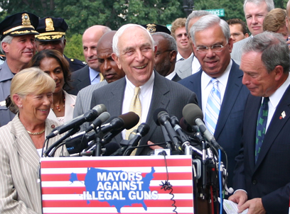 Frank Lautenberg, in center, at a 2007 press conference withNew York City Mayor Michael Bloomberg (I-NY, right) and Congreswoman Carolyn McCarthy (D-NY, left). Credit: Wikimedia Commons.