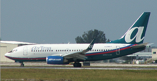 Click photo to download. Caption: 101 students were kicked off an Air Tran plane Monday because they were disruptive, not because they were Jewish, airline says. Credit: Wikimedia Commons.