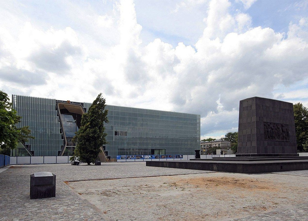Click photo to download. Caption: The Museum of the History of Polish Jews in Warsaw. Credit: Mamik via Wikimedia Commons.