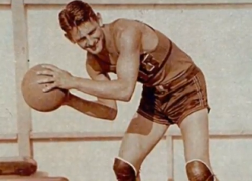 Click photo to download. Caption: New York Knick Ossie Schectman, the NBA's<br /> first scorer. Credit: The First Basket.