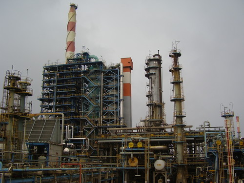 Click photo to download. Caption: The Haifa oil refinery. Credit: Avishai<br /> Teicher/PikiWiki Israel.
