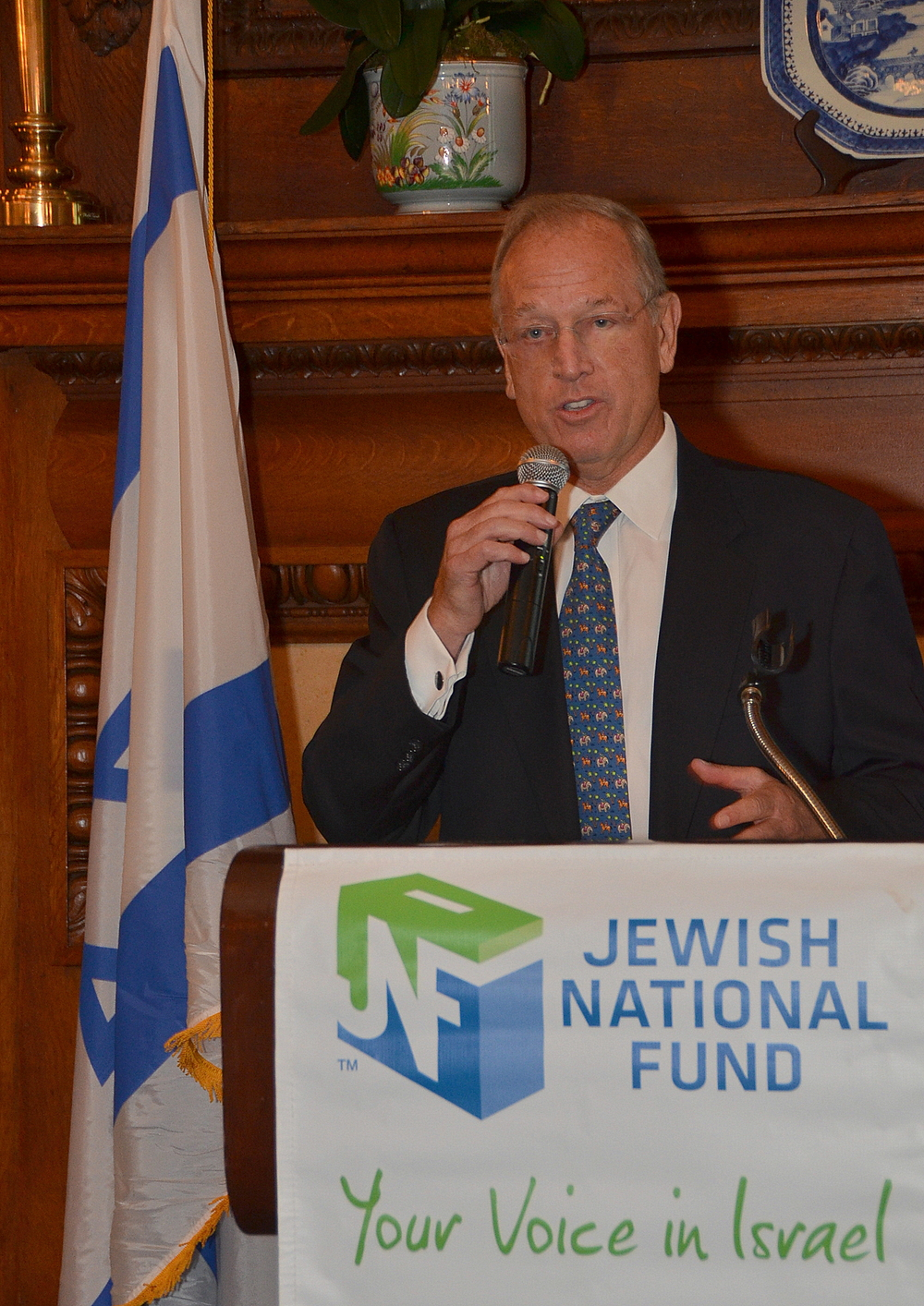 Click photo to download. Caption: Jeffrey Levine speaks at a Sept. 17 event in New York during which he was welcome as the new national president of the Jewish National Fund. Credit: Maxine Dovere.