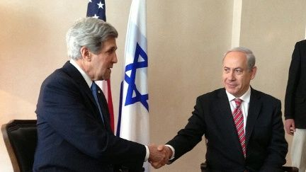 U.S. Secretary of State John Kerry meets with Israeli Prime Minister Benjamin Netanyahu April 9, 2013. Credit: U.S. State Department.
