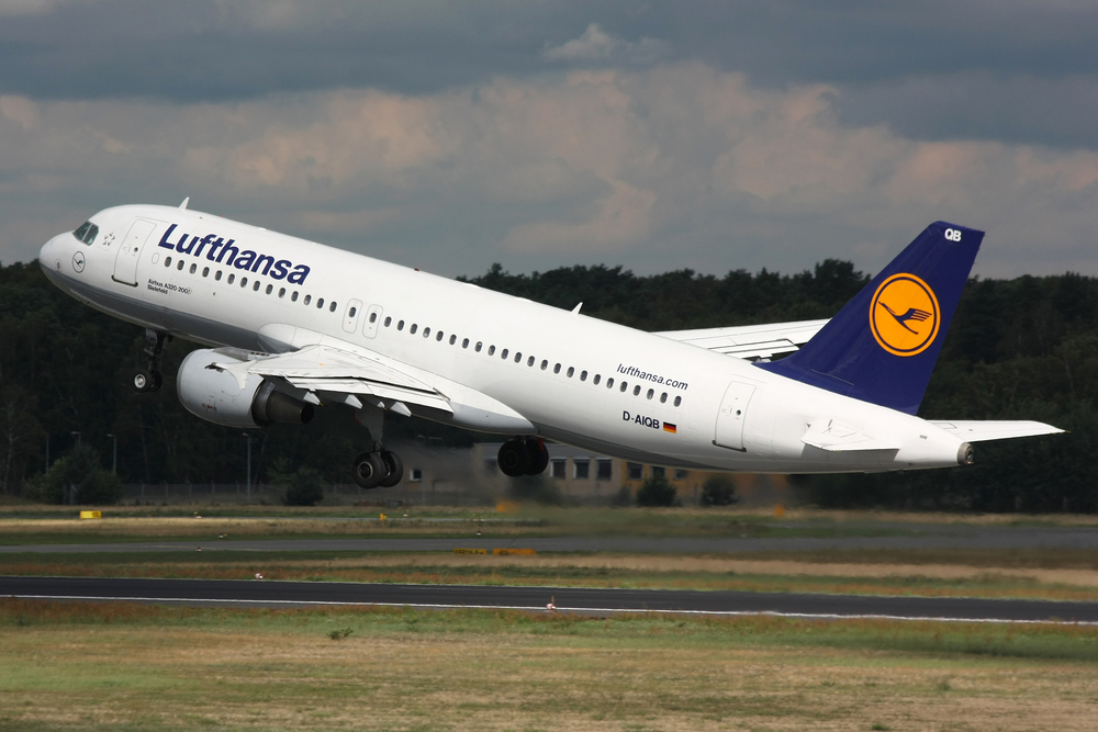 "Click photo to download. Caption: A Lufthansa Airbus A320 takes off at Berlin Tegel Airport.  From legacy carriers such as Lufthansa, the largest airline in Europe, to low-cost carriers such as Great Britain's easyJet, new flights to and from Israel are popping up all over the grid following the EU-Israel ""Open Skies"" agreement. Credit: Lasse Fuss via Wikimedia Commons."