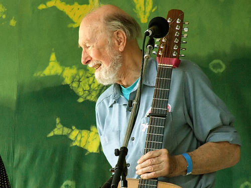 Click photo to download. Caption: The Jan. 27 passing of Pete Seeger,<br />pictured, got columnist Stephen M. Flatow thinking about Israel-boycotting<br />actress Emma Thompson. Pete Seeger. Credit: Anthony Pepitone.