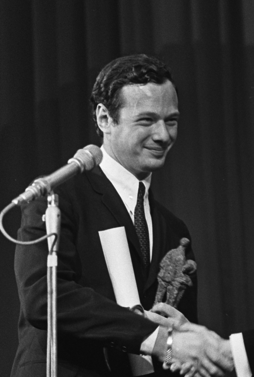 Click photo to download. Caption: Brian Epstein, manager of the Beatles, receives the Edison Award for the Beatles at the Grand Gala du Disque in 1965. Credit: Eric Koch/Anefo via Wikimedia Commons.