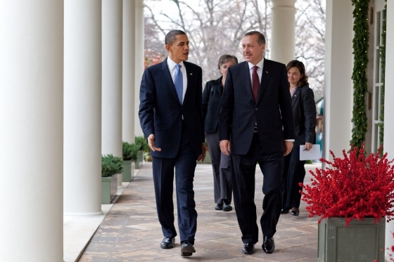 President Barack Obama and Turkish Prime Minister Recep Tayyip Erdogan walking along the Colonnade at the White House. Credit: Samantha Appleton.