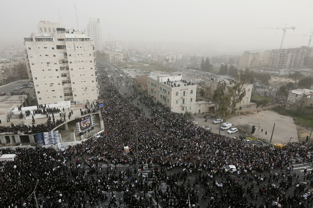 Click photo to download. Caption: Hundreds of thousands of haredi Jews on Sunday attend a massive protest in Jerusalem against a proposed plan to introduce compulsory military service to the haredi community. Credit: Miriam Alster/Flash90.