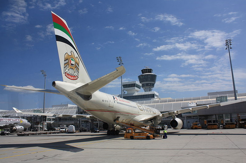 An Etihad Airways plane. Credit: J. Patrick Fischer via Wikimedia Commons.