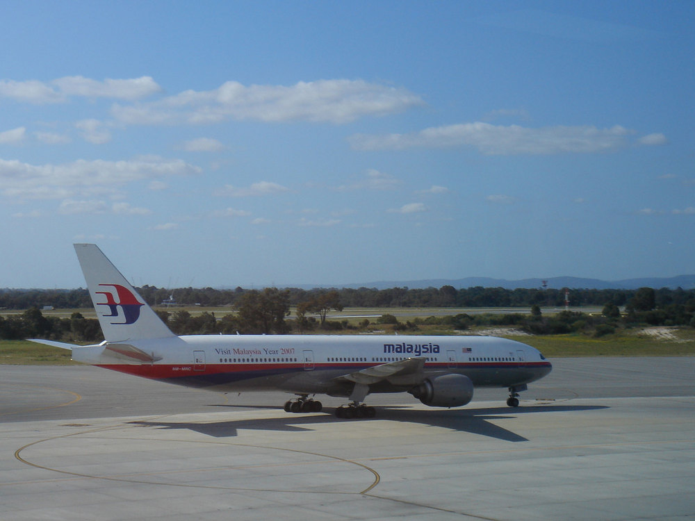 The Malaysia Airlines Flight 370 Boeing 777-200ER plane has been missing since Saturday. Credit: Wikimedia Commons.