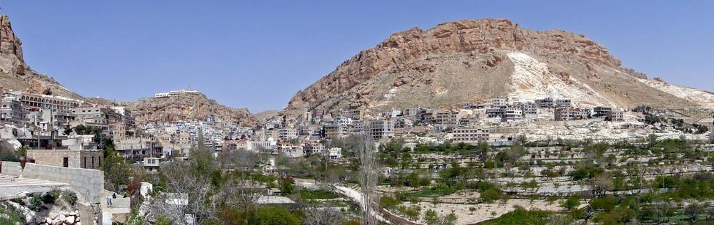 The Syrian Christian village of Maaloula. Credit: Bernard Gagnon via Wikimedia Commons.