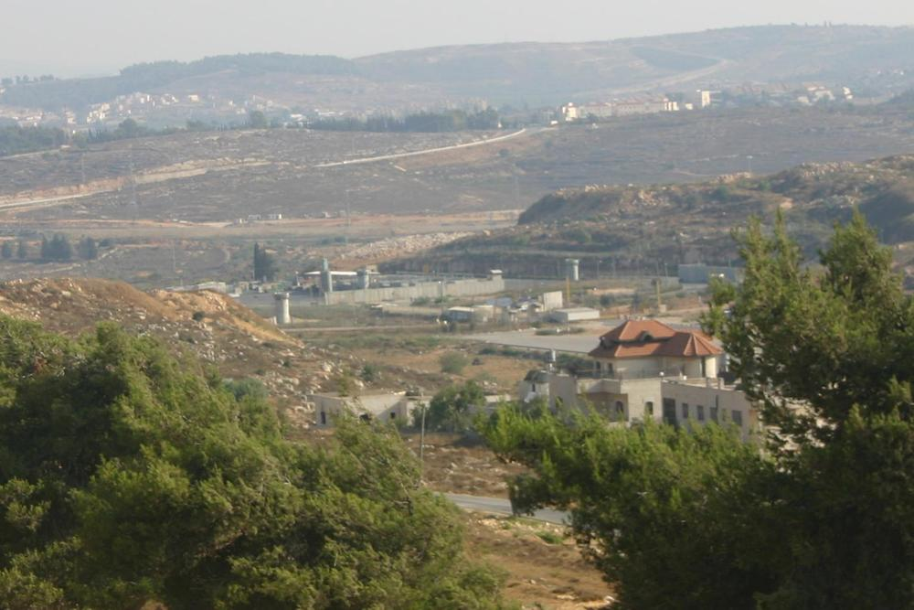 TheWest Bank town of Beitunia, where two Israeli journalists were attacked by a Palestinian mob Friday. Credit:Abutoumvia Wikimedia Commons.