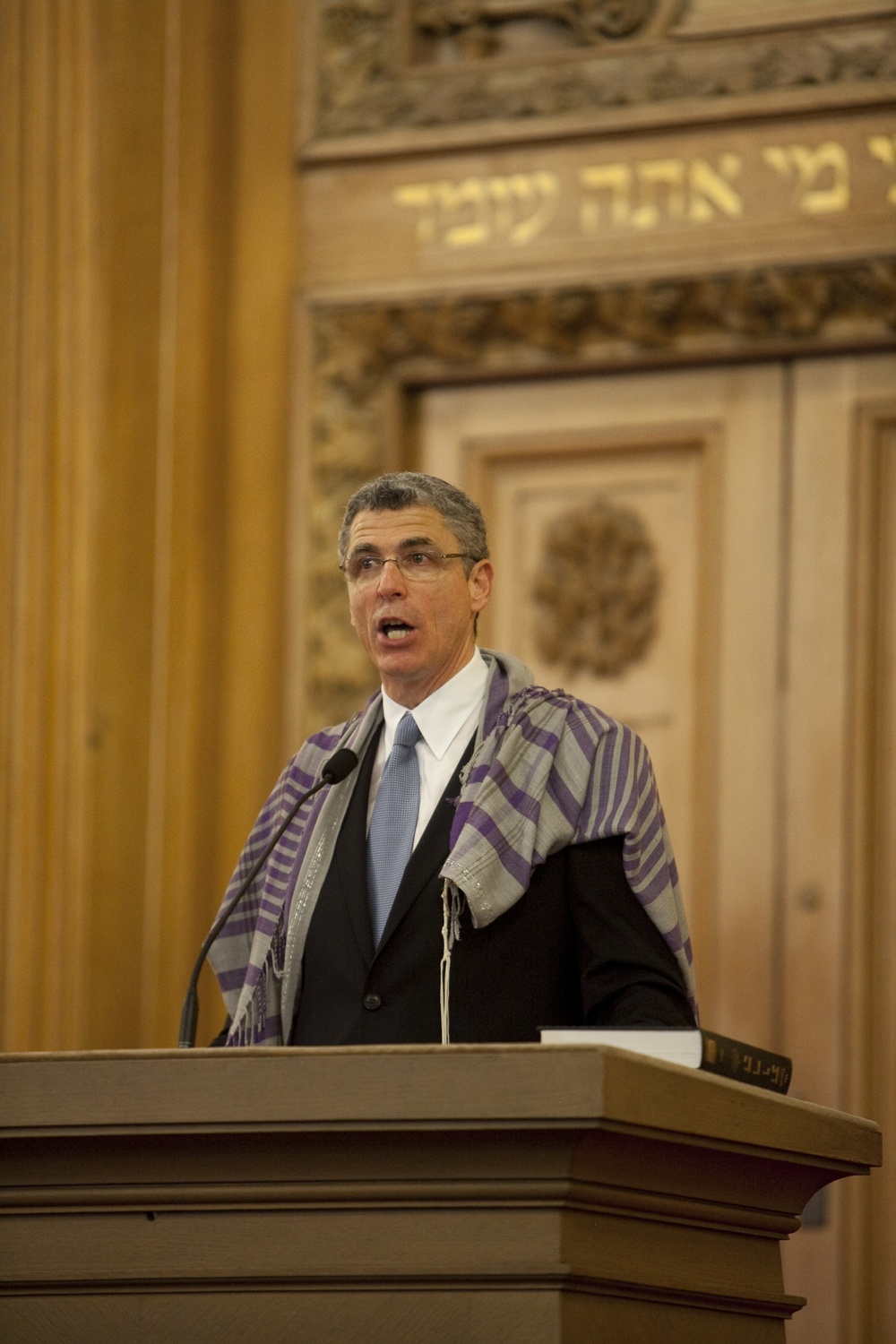 "Click photo to download. Caption: Union for Reform Judaism (URJ) President Rabbi Rick Jacobs, pictured, was accused of ""divisive"" leadership in a recent newspaper advertisement over his threat to pull the URJ out of the Conference of Presidents of Major American Jewish Organizations due to the Conference's rejection of the J Street lobby's membership application. Credit: Clark Jones."