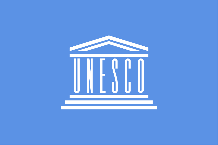 The UNESCO flag. Credit: Wikimedia Commons.
