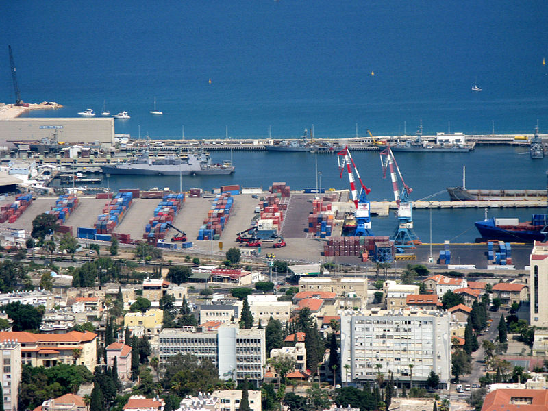 A view of the Haifa port from Mount Carmel. Credit: Wikimedia Commons.