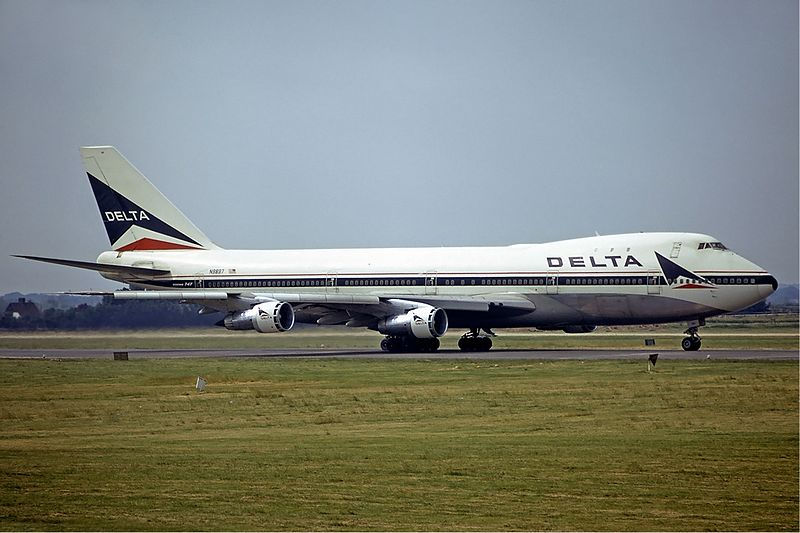 A Delta plane. Credit: Steve Fitzgerald via Wikimedia Commons.