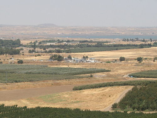 The Israel-Syria border crossing in the Golan Heights. Credit: Wikimedia Commons.