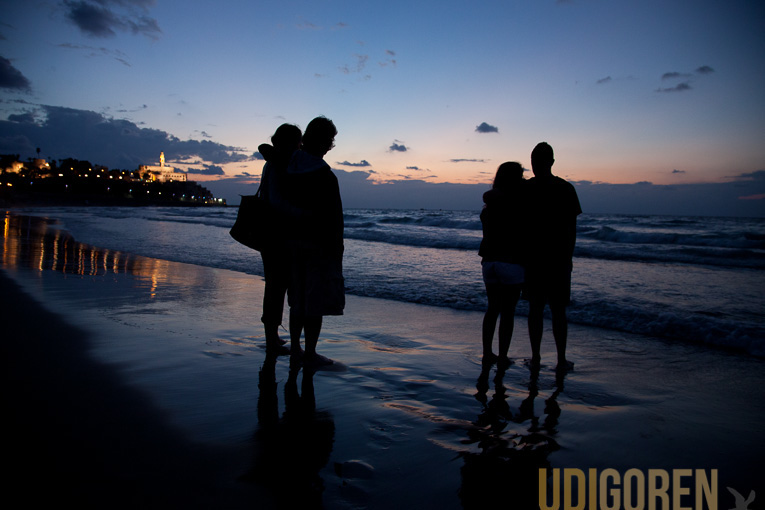 Click photo to download. Caption: MEJDI Tours visits Tel Aviv. Credit: Udi Goren.
