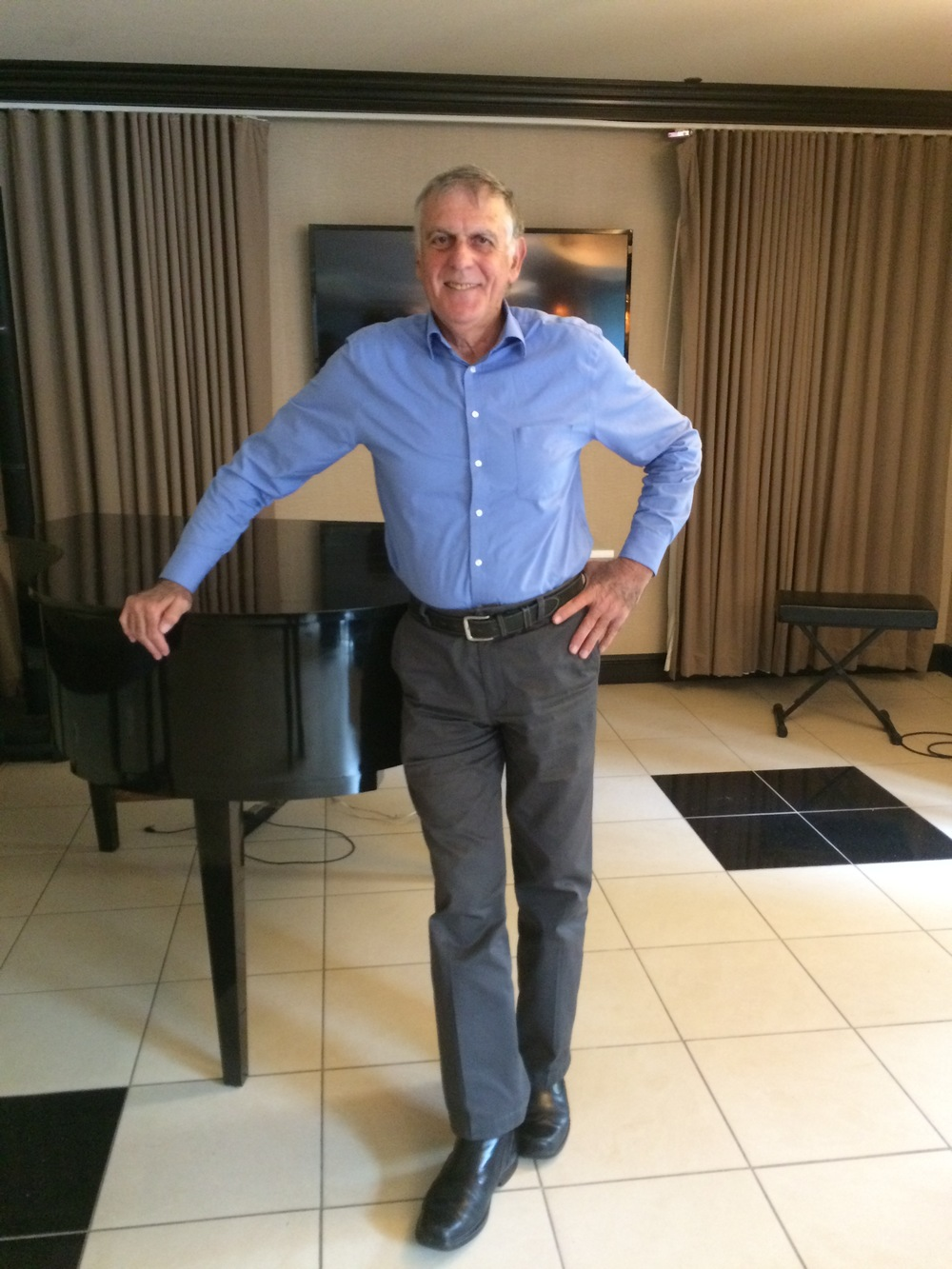Click photo to download. Caption: On Oct. 19, 2014, Israeli Nobel Prize winner in chemistry Dan Shechtman is pictured in the lobby of the Hilton Orrington/Evanston hotel near Chicago, where he met for an interview with JNS.org. Credit: Alina Dain Sharon.