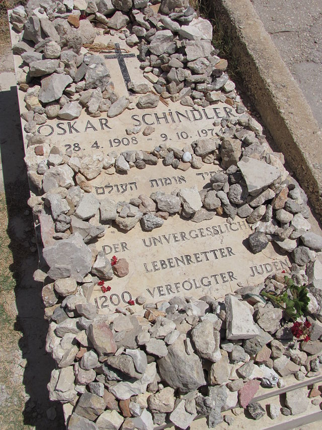 Oskar Schindler's grave. Credit: Yoninah via Wikimedia Commons.