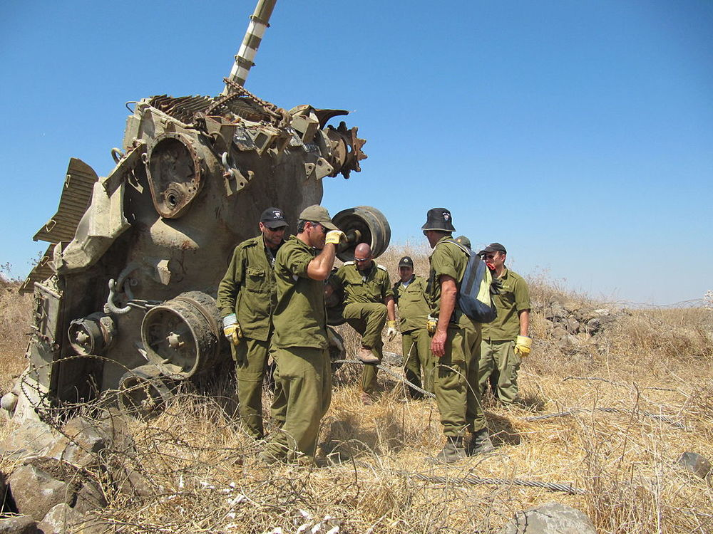 An IDF Jeep (photo illustrative) came under attack near the Gaza Strip. Credit Wikimedia Commons