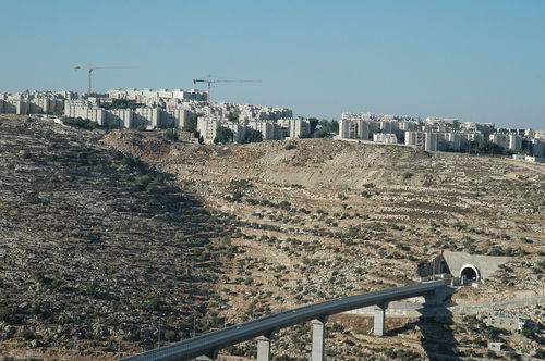 Bridge and tunnel on Highway 60, leading from Jerusalem to Gush Etzion. Credit: Wikimedia Commons.